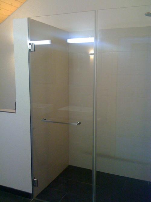 freistehende dusche glas t bb mint tlet a k vetkez vel. Black Bedroom Furniture Sets. Home Design Ideas